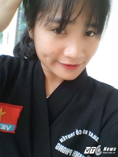 Ngam nu canh sat Ha Tinh xinh dep va tot bung - Anh 10