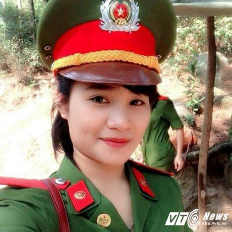 Ngam nu canh sat Ha Tinh xinh dep va tot bung - Anh 1