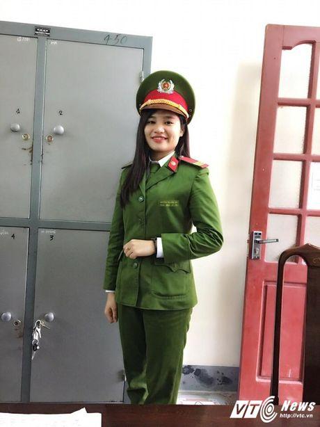 Ngam nu canh sat Ha Tinh xinh dep va tot bung - Anh 6