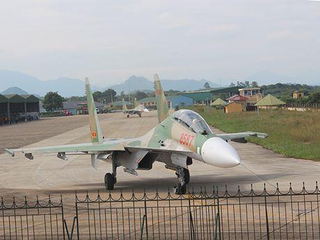 Them mot trung doan khong quan Viet Nam trang bi Su-30MK2 - Anh 3