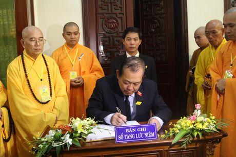 Pho Thu tuong Truong Hoa Binh vieng Hoa thuong Thich Chon Thien - Anh 2