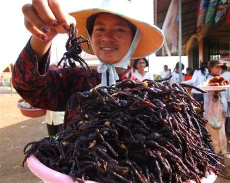 Noi da ga voi mon an kinh di nhat Campuchia - Anh 1