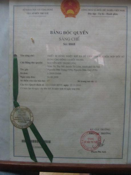 Chuyen kho tin nhung co that: 'Ky su' nong dan giup xe may chay 100km chi het 1 lit xang - Anh 3