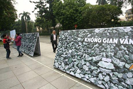 'Khong gian van hoa dan toc Mong Ha Giang' nhat nheo giua trung tam Ha Noi - Anh 3