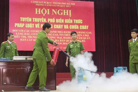 Tap huan ky nang PCCC cho cac nha hang va co so han - Anh 1