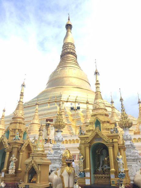 Chiem bai Chua Shwedagon dat vang, gan kim cuong noi tieng o Myanmar - Anh 1