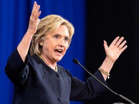 Ba Clinton do loi giam doc FBI gay ra that bai trong bau cu - Anh 1