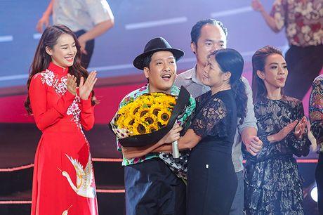 Nha Phuong bat ngo xuat hien va hat cung Truong Giang trong liveshow 'Chang he xu Quang 2 – Ve que' - Anh 10