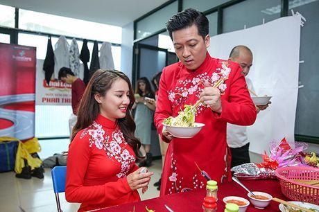 Nha Phuong bat ngo xuat hien va hat cung Truong Giang trong liveshow 'Chang he xu Quang 2 – Ve que' - Anh 17