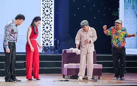 Nha Phuong bat ngo xuat hien va hat cung Truong Giang trong liveshow 'Chang he xu Quang 2 – Ve que' - Anh 5
