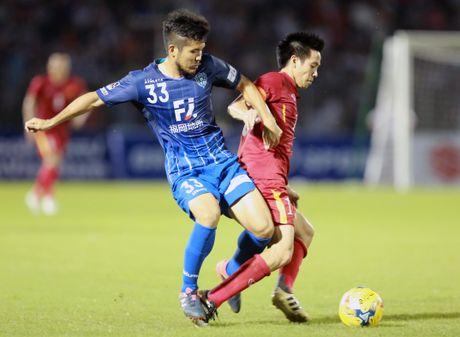 HLV Nguyen Huu Thang: 'Toi cho phep Cong Phuong choi ca nhan' - Anh 4