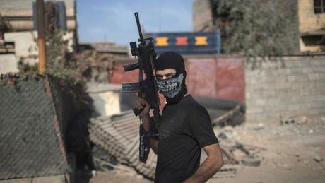 Quan doi Iraq 'chiem lai thanh co tu tay IS' - Anh 1