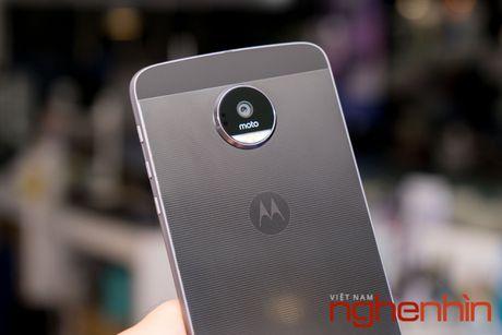Xem ky smartphone Moto Z vua len ke Viet gia 16 trieu - Anh 2