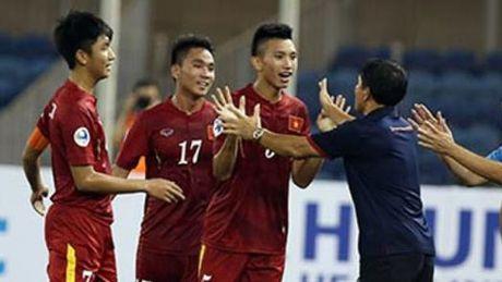 Van Hau lap sieu pham, U22 Viet Nam van thua U22 Uzbekistan - Anh 1