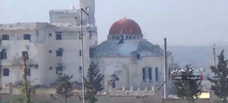 Quan doi Syria, Hezbollah thua thang tien danh nam Aleppo (video) - Anh 1