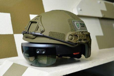 Kinh HoloLens cua Microsoft co the dung de dieu khien xe tang - Anh 1