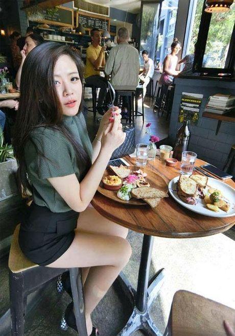 Cuoc song sang chanh dung chat thien kim tieu thu cua em gai Ong Cao Thang - Anh 8