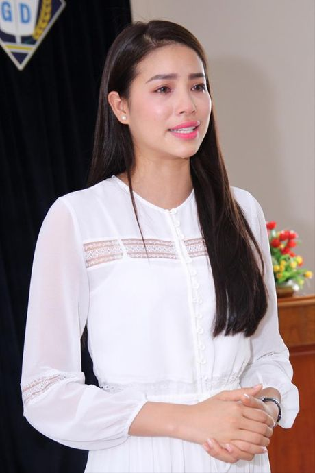 Nhung khoanh khac roi le cua Pham Huong - Anh 9