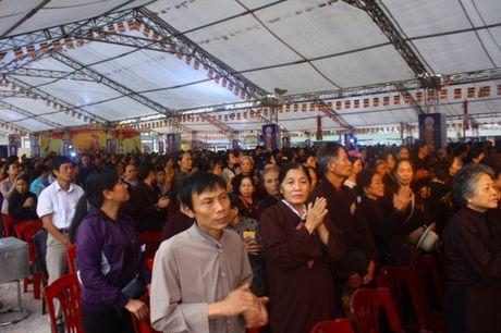 Quang Ninh: Hang van nguoi tham gia Dai le cau sieu cac nan nhan tu vong vi tai nan giao thong - Anh 11