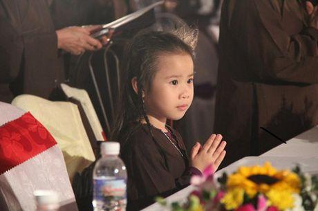 Quang Ninh: Hang van nguoi tham gia Dai le cau sieu cac nan nhan tu vong vi tai nan giao thong - Anh 2