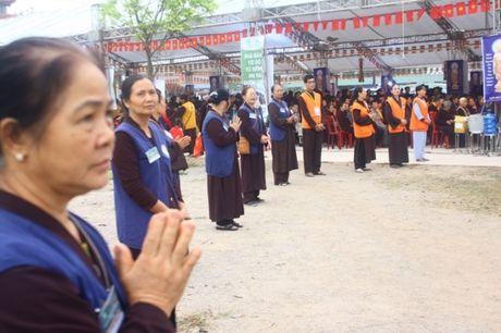 Quang Ninh: Hang van nguoi tham gia Dai le cau sieu cac nan nhan tu vong vi tai nan giao thong - Anh 5