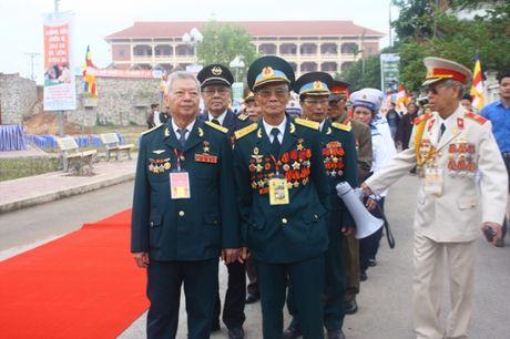 Quang Ninh: Hang van nguoi tham gia Dai le cau sieu cac nan nhan tu vong vi tai nan giao thong - Anh 7