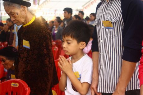 Quang Ninh: Hang van nguoi tham gia Dai le cau sieu cac nan nhan tu vong vi tai nan giao thong - Anh 9