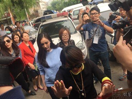 Luu Khai Uy ngoai tinh: Bi kich sau hon nhan hay chi la mot man kich lon? - Anh 6