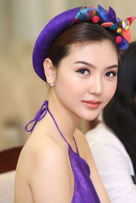 Hoa hau Ngoc Duyen dien ao yem di su kien - Anh 5