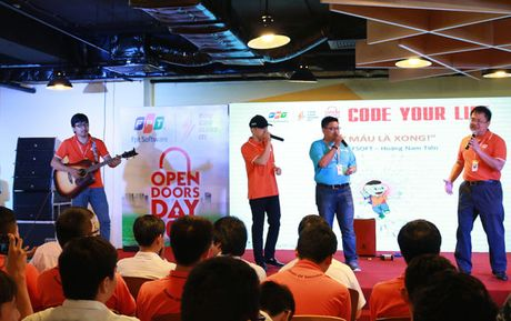 Sinh vien cong nghe hao hung voi su kien 'Code Your Life' - Lap trinh cuoc song - Anh 2