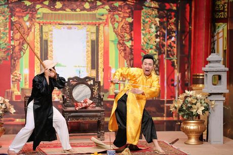 Tran Thanh buot mieng tu nhan la 'Thanh cho dien' khi bi don ep tren san khau - Anh 3