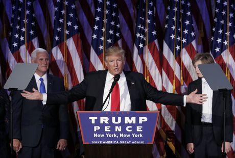 Lieu ong Donald Trump co the mang viec lam ve lai My? - Anh 1
