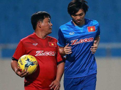 Tuan Anh: At chu bai cua HLV Huu Thang - Anh 1