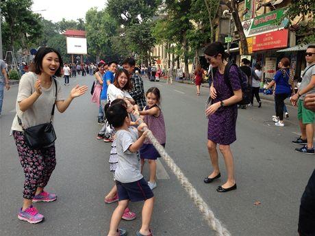 Tro choi dan gian ben ho Guom - Anh 4