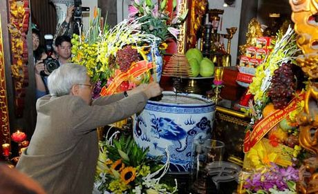 Tong Bi thu, Chu tich Mat tran du Ngay hoi dai doan ket tai thon Phat Tich - Anh 14