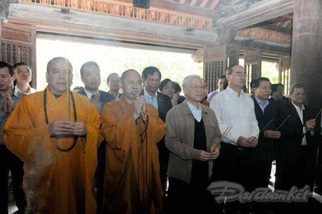 Tong Bi thu, Chu tich Mat tran du Ngay hoi dai doan ket tai thon Phat Tich - Anh 16