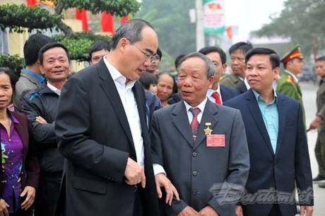 Tong Bi thu, Chu tich Mat tran du Ngay hoi dai doan ket tai thon Phat Tich - Anh 9