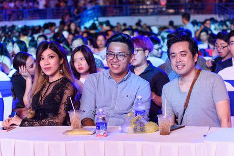 Sao Viet gian di den xem live show Noo Phuoc Thinh - Anh 6