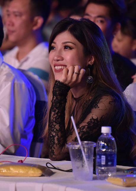 Sao Viet gian di den xem live show Noo Phuoc Thinh - Anh 7