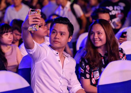 Sao Viet gian di den xem live show Noo Phuoc Thinh - Anh 9