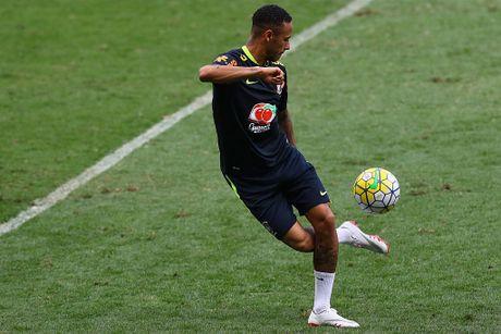 Neymar tro lai tap luyen sau khi sut tung luoi Argentina - Anh 1