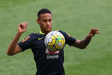 Neymar tro lai tap luyen sau khi sut tung luoi Argentina - Anh 4