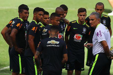 Neymar tro lai tap luyen sau khi sut tung luoi Argentina - Anh 8