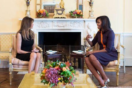 Melania Trump co vuot duoc cai bong cua ba Obama? - Anh 2