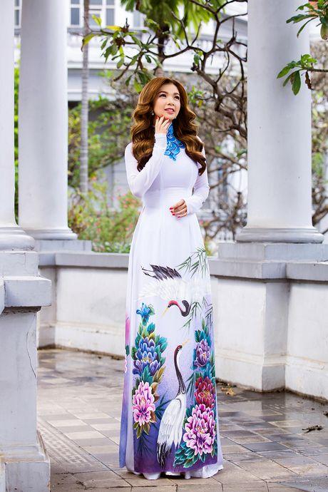 Pham Thanh Thao tre trung voi ao dai trang - Anh 1