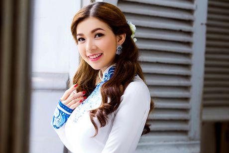 Pham Thanh Thao tre trung voi ao dai trang - Anh 7
