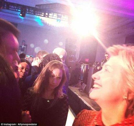 Ba Hillary Clinton nhan duoc nhieu hon sau khi that bai - Anh 1