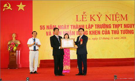 Pho Thu tuong du ky niem 55 nam truong THPT Nguyen Duy Trinh - Anh 1