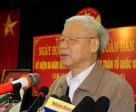Tong Bi thu du Ngay hoi Dai doan ket toan dan toc tai thon Phat Tich - Anh 1