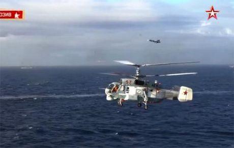 Vi sao Su-33 tan cong tu tau san bay tai Syria? - Anh 1